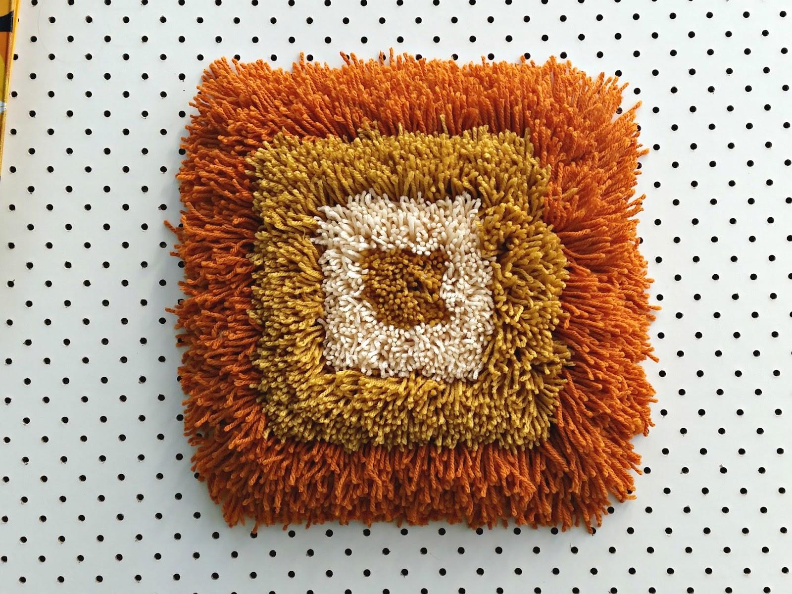 Latch hook rug wool gauge