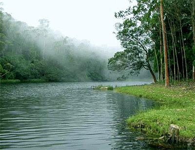 munnar sita devi lake, where is sita devi lake in munnar, how to reach sita devi lake munnar,  munnar tour packages with sita devi lake
