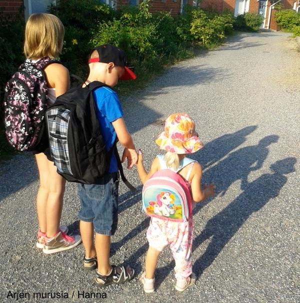 ikäero, sisarukset, vauva, taapero, teini, lapset
