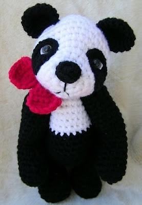 Панда амигуруми с бантиком
