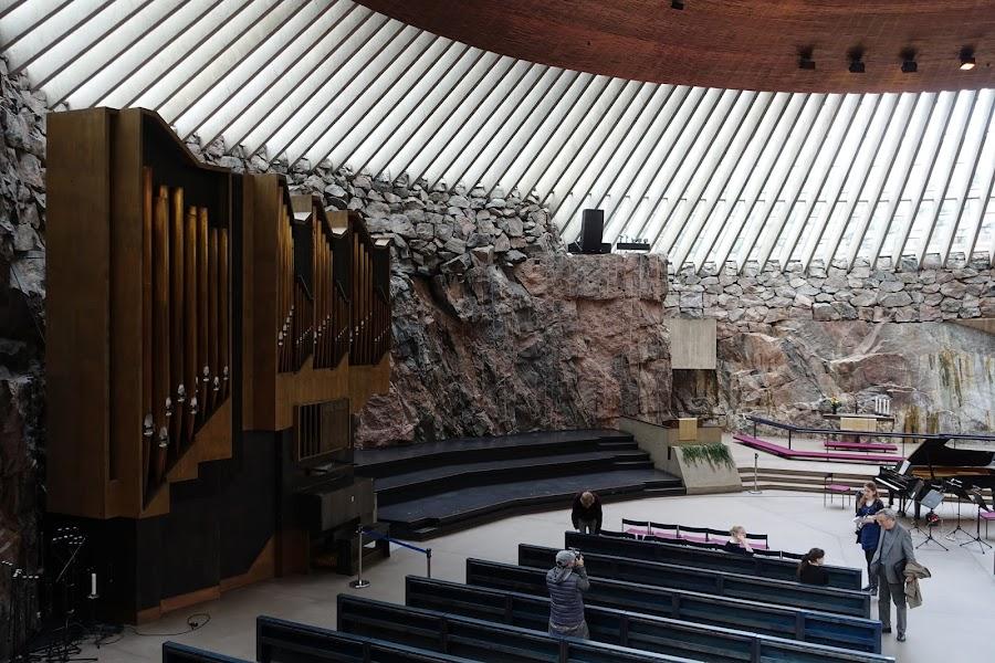 テンペリアウキオ教会(Temppeliaukion kirkko)