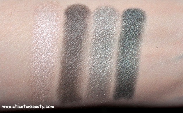 The Body Shop Down to Earth Eyeshadow Quad in Grey