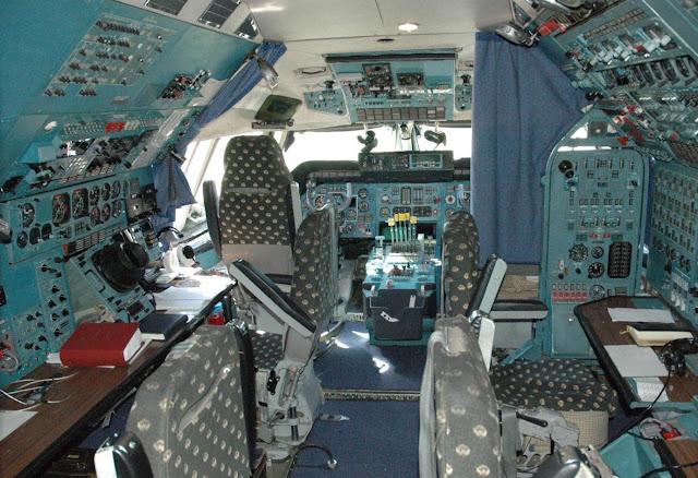Antonov An-225 Cockpit Room