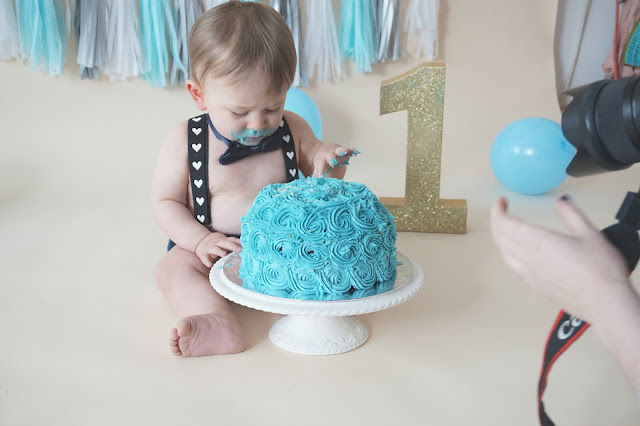 cake smash photo shoot with rachel clarke photography liverpool