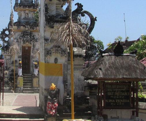 Pura Batu Medau Nusa Penida