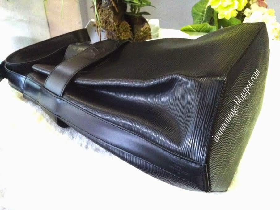 5d7da54364 I Want Vintage   Vintage Designer Handbags: Louis Vuitton EPI ...