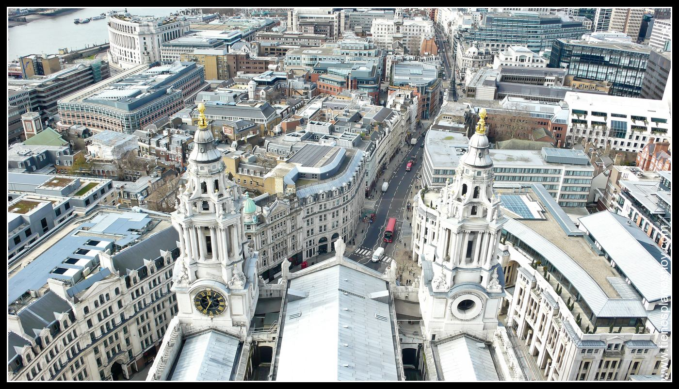 Vistas desde la cúpula de Catedra de St Paul Londres (London) Inglaterra