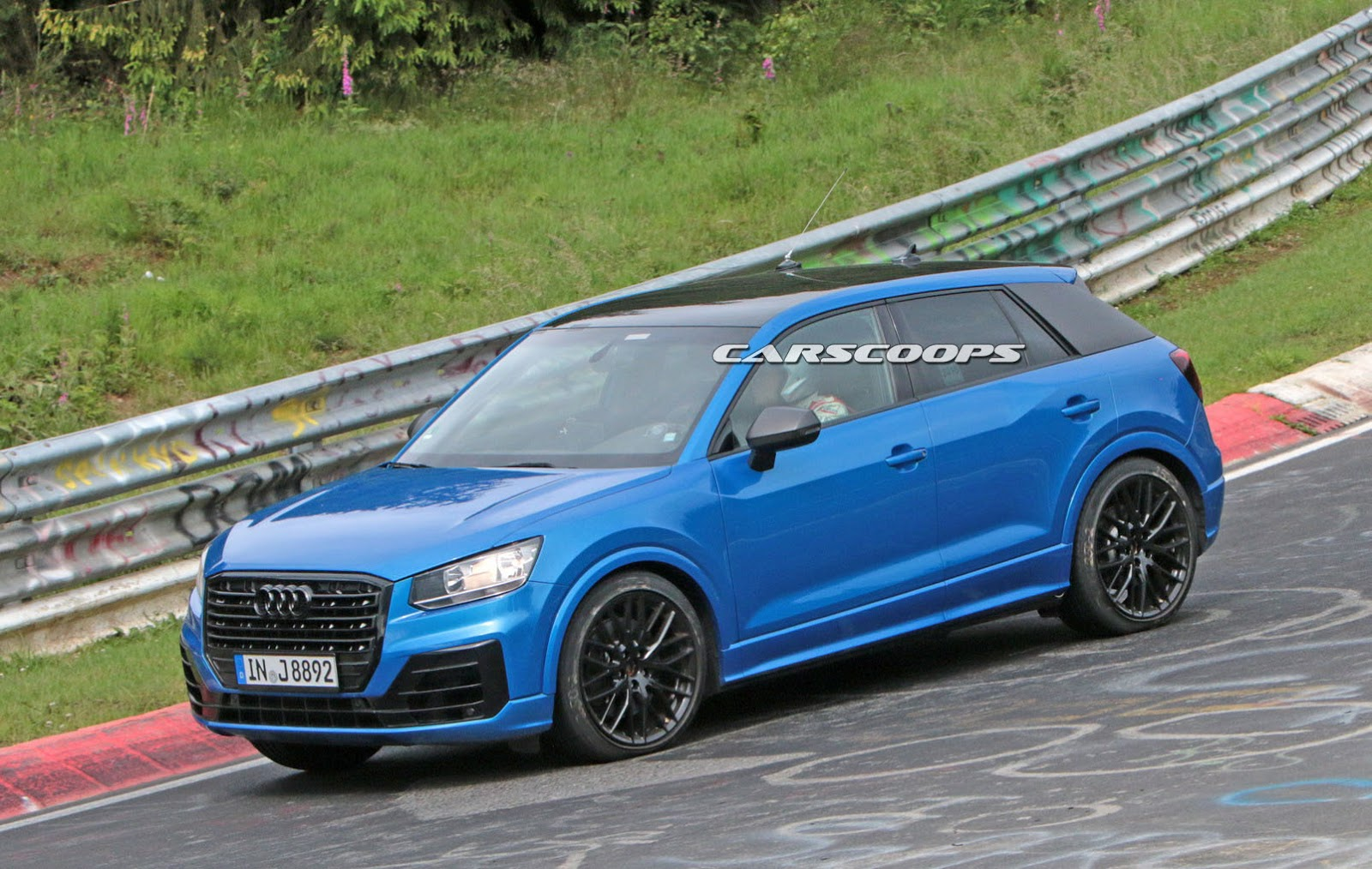 hot audi sq2 caught naked at the nurburgring. Black Bedroom Furniture Sets. Home Design Ideas