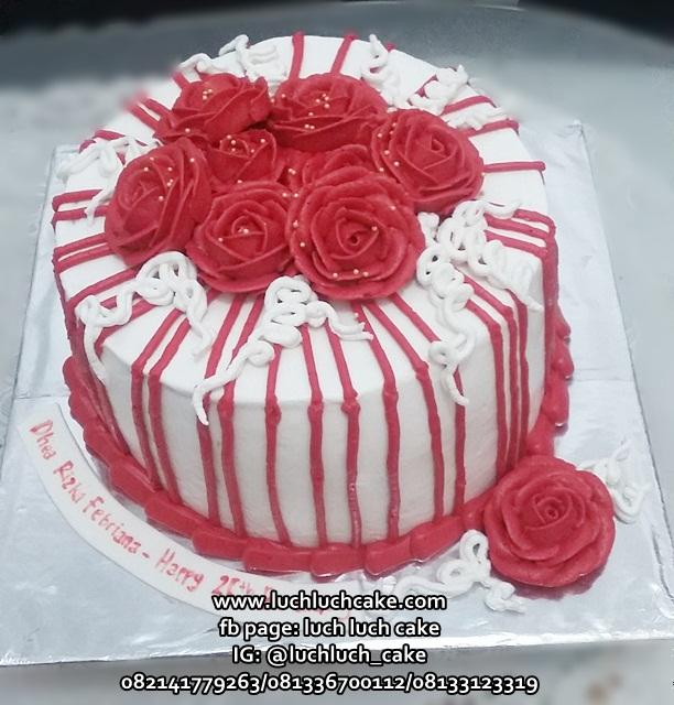 Kue Tart Bunga Cantik Merah Putih
