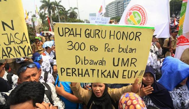 Gaji Guru Honorer Sulit Naik, Kenapa??