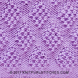 Free knitting pattern // The Moss Diamond stitch. Fun to knit and looks awesome. Just Knit and Purl!.