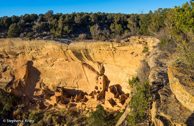 Square Tower House Ancestral Puebloan ruin, Mesa Verde National Park, Colorado.