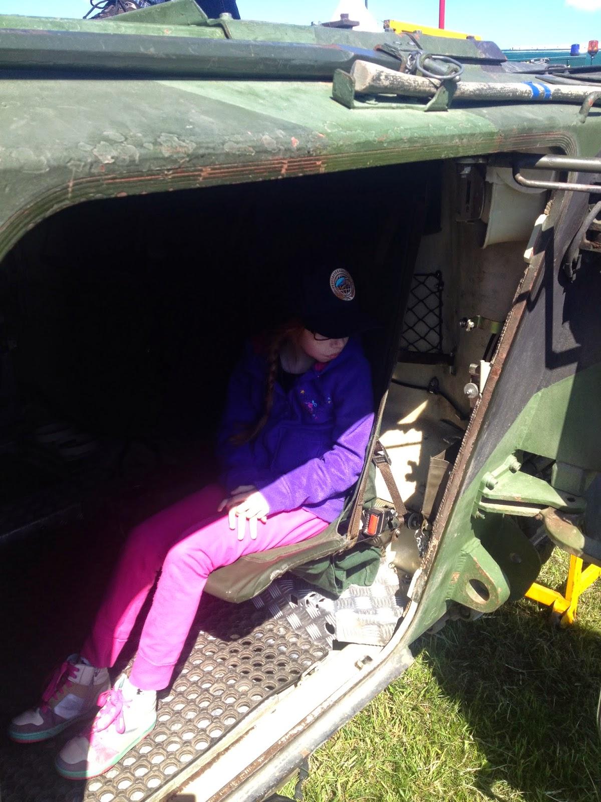 Vi letade igenom vagnen efter eventuella sprangladdningar