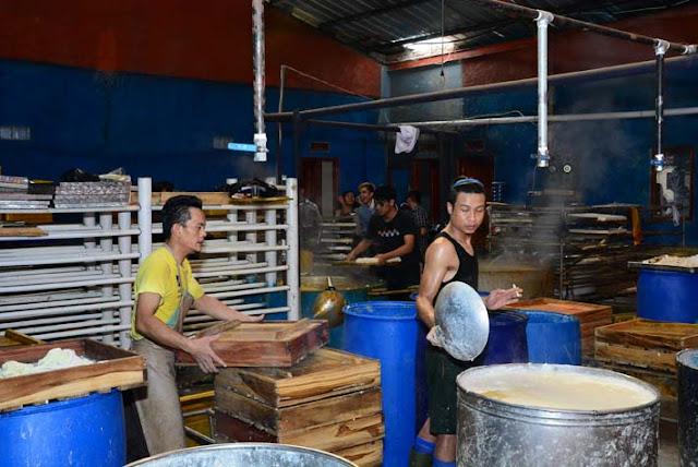 EKOWISATA DI LEMBANG | Pabrik Tahu di Ciputri Lembang