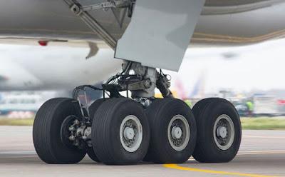 Poto Pesawat Terbesar Milik Garuda Indonesia