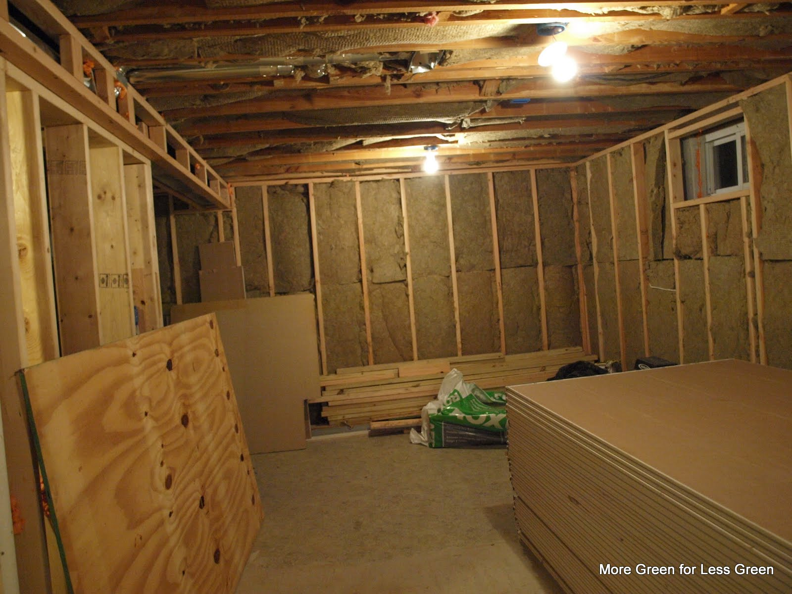 Insulating basement walls with roxul for Basement wall insulation blanket