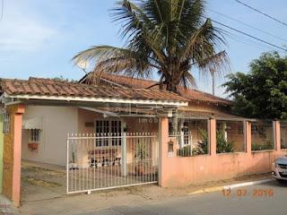 ENC: 1054 - Casa com 3 dormitórios - Terreno com 397 m² - Meia Praia - Itapema/SC