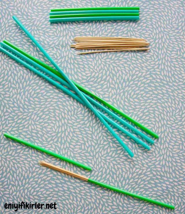 langırt için pipet ve tahta çubuklar
