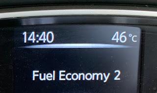 car display outside temperature at 14h40