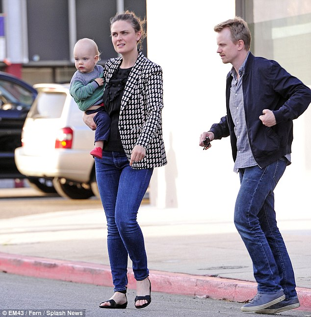 What A Cutie Bones Star Emily Deschanel Takes Baby Henry To Lunch