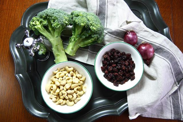 Unsere Zutaten für den Brokkolisalat