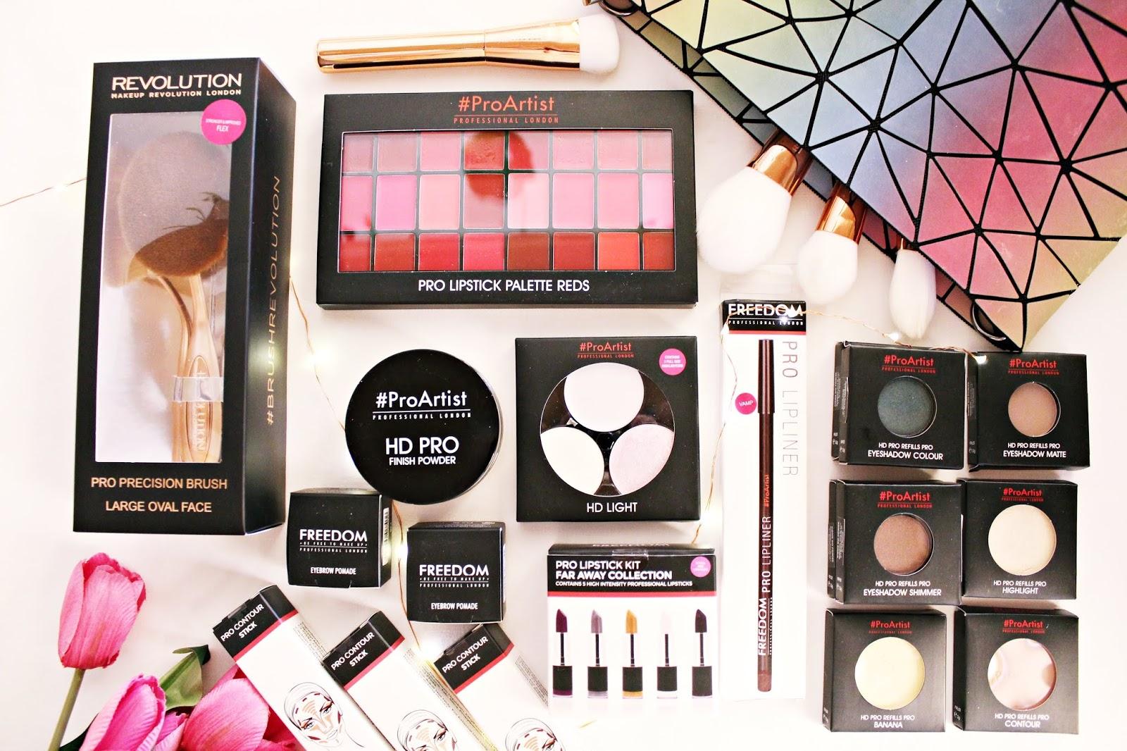 Kolorówka wcale nie musi być droga - FREEDOM MAKEUP - Mega promocje w sklepie StrefaUrody.pl + kod zniżkowy