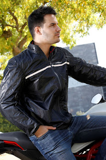 71-degrees-impermeable-negro
