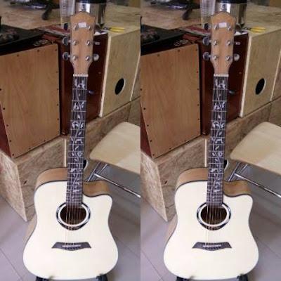 Bán Đàn guitar acoustic Devisev họa tiết giá 2 triệu 5 trăm