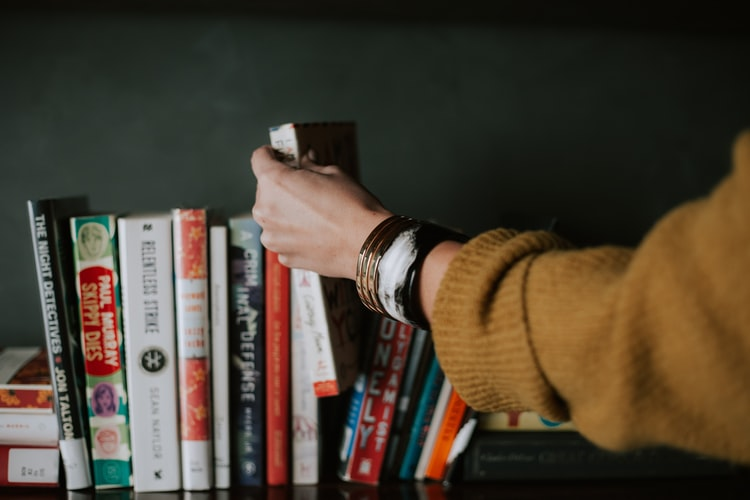 Membuat Novel Kisah Sendiri