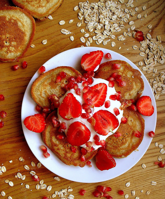 Jogurtowo-owsiane placuszki / Oatmeal Yoghurt Pancakes