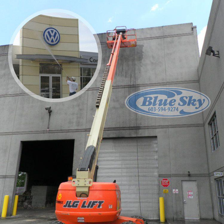 cleaning Metal & Asphalt Roofing/Gutters