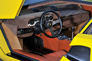 Lamborghini Countach LP400 Periscopio Interior 02