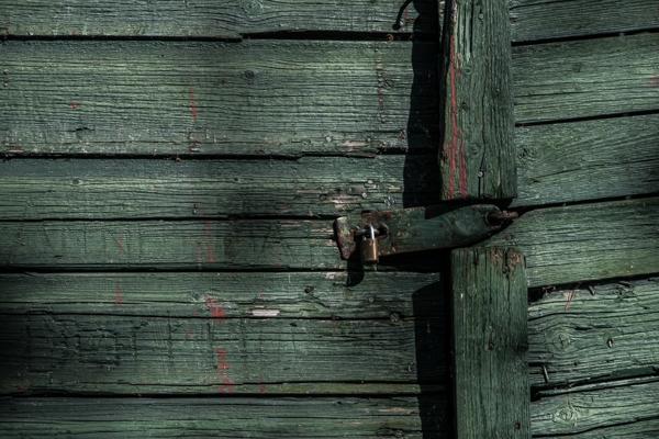 lukku hirsiovi vanha rakennus rustiikki
