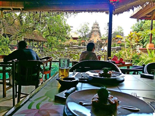 Храмы Убуда . достопримечательности Убуда. Храм Pura Taman Kemuda Saraswati