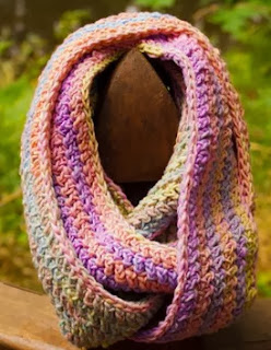 http://translate.googleusercontent.com/translate_c?depth=1&hl=es&rurl=translate.google.es&sl=auto&tl=es&u=http://ktandthesquid.com/2013/09/16/free-crochet-infinity-scarf-pattern/&usg=ALkJrhhJkVjHojxbKIOt_Mk0eYTOHnm9lA