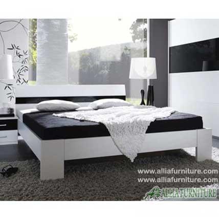 Tempat tidur minimalis modern model nevada