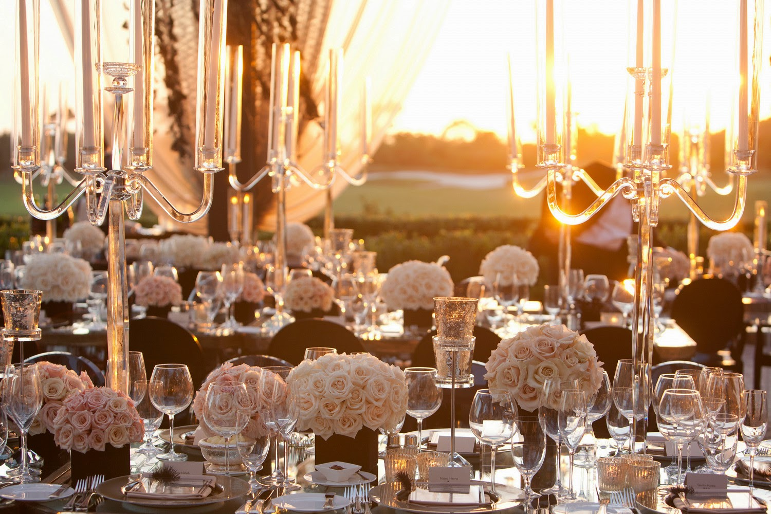 Memorable wedding candelabra centerpieces for weddings for Best decoration for wedding