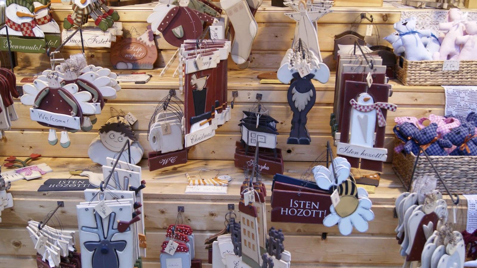 Adornos en madera para colgar en el árbol de Navidad. b54e25af3bf