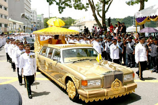 Top 10 The PRICIEST Limousines