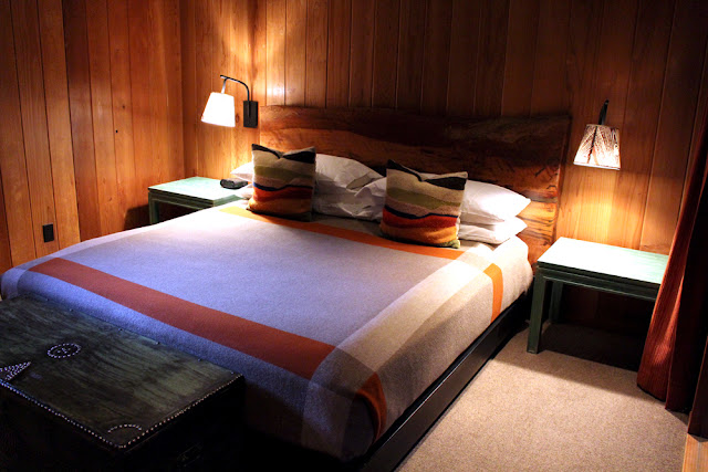 Glen Oaks log cabin hotel, Big Sur California - luxury travel blog