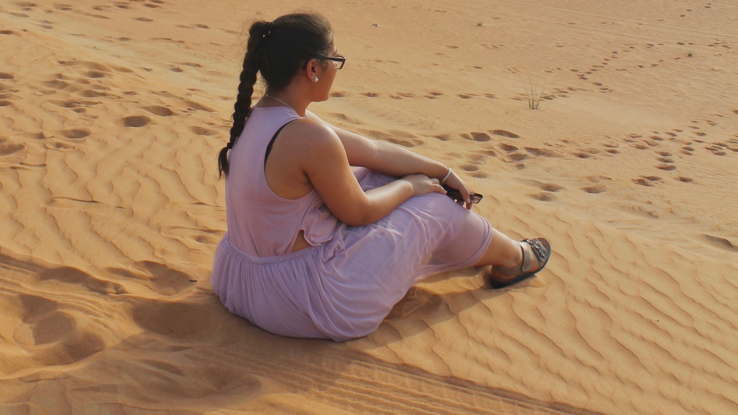 Purple Style In Dubai Desert