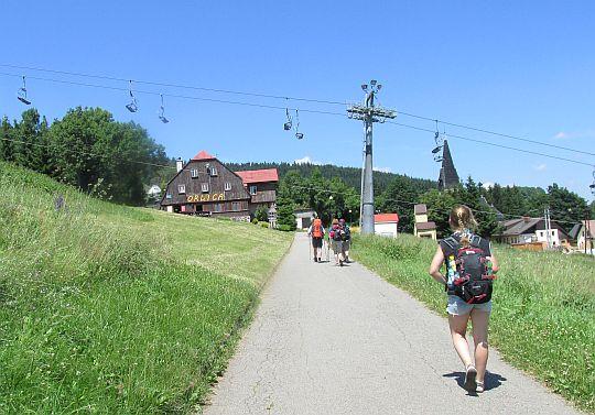 """W drodze do Schroniska PTTK """"Orlica""""."""
