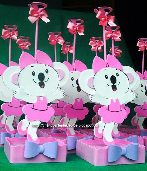 5035fa6c806a0 Centro de mesa da Lilica Ripilica. Feito todo de eva. em rosa e lilás.  Ficaram um charme só. Amei.