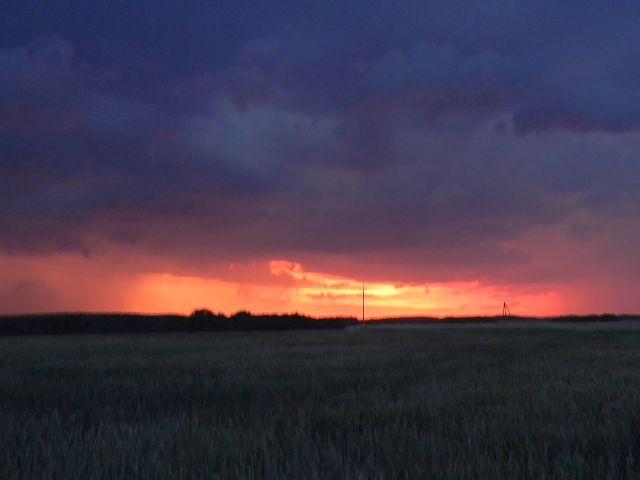 zjawiska atmosferyczne, burza, pioruny, chmury, pole