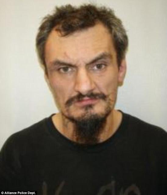 LLamó al 911 para informar que su esposa le robó su cocaína ¡y lo Arrestaron!