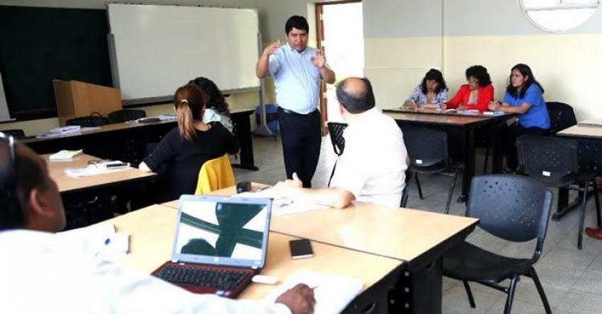 MINEDU capacita a 60 mil docentes y directores sobre el Currículo Nacional - www.minedu.gob.pe