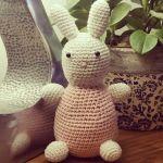 http://crochetthings.nl/patroon-konijntje/