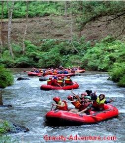 Arung Jeram di Sungai Palayangan