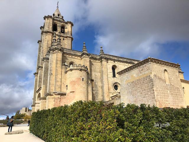 Iglesia Abacial en Fortaleza de la Mota