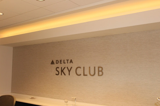 commercial, SkyWest lounge, 54 inches vinyl, tnwallpaperhanger, wallcovering installer, paperhanger,Project: Nashville International Airport - Delta Sky Club Lounge,54 inches vinyl, commercial, Delta Sky  Club lounge, BNA, Project: Nashville International Airport - Delta Sky Club, contract wallpaper